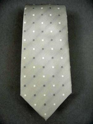 Tie Width : 3.5 Inches,
