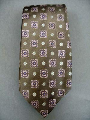 Tie Width : 3.625 Inches,