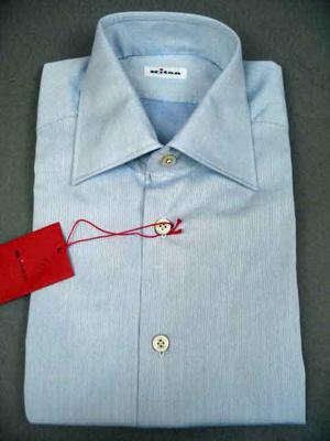 Collar : Spread, Cuffs : Barrel, Chest Pocket : No,  (Available in size 18, 18.5)