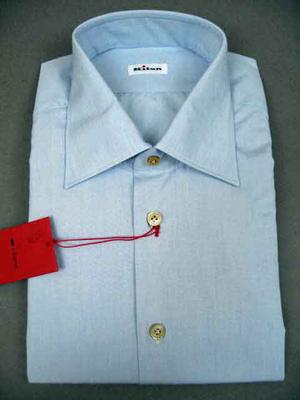 Collar : Medium Spread, Cuffs : Barrel, Chest Pocket : No,  (Available in size 18, 18.5)