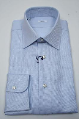 Collar : Spread, Cuffs : Barrel, Chest Pocket : No,  (Available in size 15, 17)