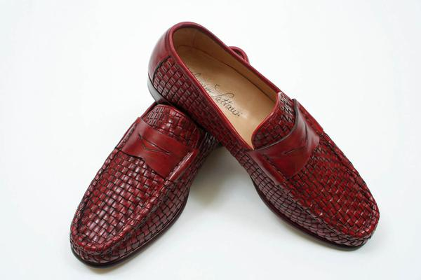 ,  Style  :  Loafer ,  Style Notes  : Woven leather,  Construction  : Hand-Welted, Exterior Length : 11 inches, Exterior Width : 4 inches,