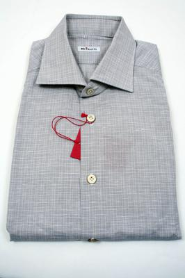 Collar : Spread, Cuffs : Barrel, Chest Pocket : No,  (Available in size 15.75, 16, 17.5)